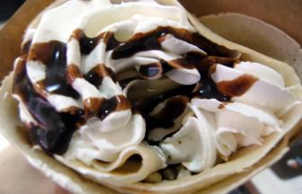 metro crepe(メトロクレープ) チョコ生クリームナッツ
